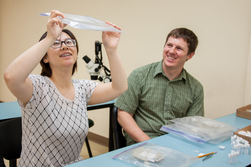 Faculty Dr. Kenneth Howard with research student.